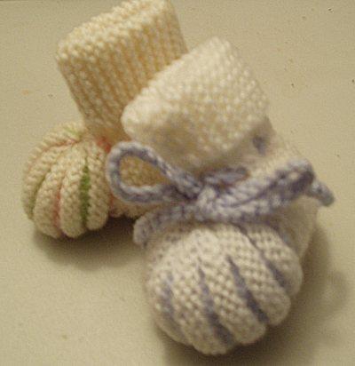 Knitting Stitches Yfwd : PUMPKIN BOOTIES   Webdesign Artwork Needlework Crafts Recipes
